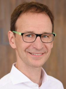 Dr. med Günther Riedel, Facharzt für plastische Chirurgie, Handchirurgie in Wiesbaden