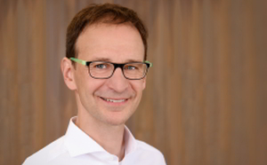 Dr. Günther Riedel, Facharzt für Plastische Chirurgie, Handchirurgie