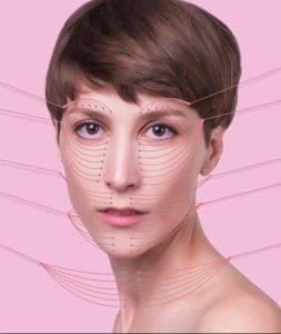 Das Fadenlifting ist eine schonende Maßnahme zur Gesichtsverjüngung. Die Behandlung strafft Falten und verfeinert die Gesichtskonturen. © Solarisys, Fotolia