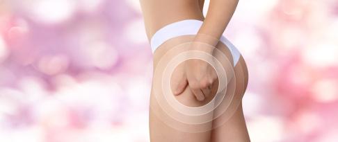 Die mechanische Reizung der Haut durch das Fadenlifting regt das Unterhautfettgewebe zur Bildung von Bindegewebe und Kollagen an. Dieser Prozess führt zu einem nachhaltig gestrafften Hautbild. © visivasnc, Fotolia
